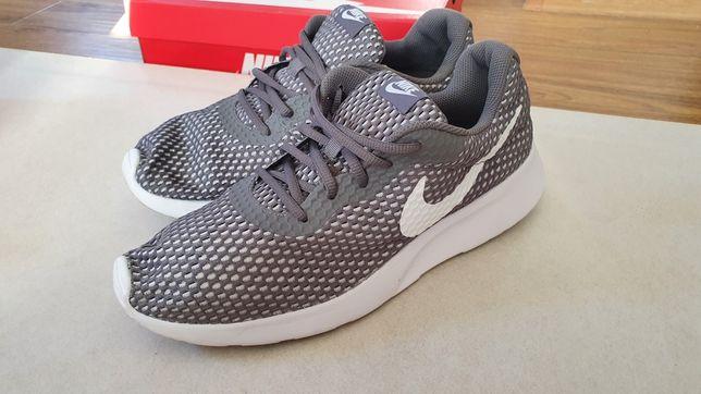 Nike Tanjun SE Gri
