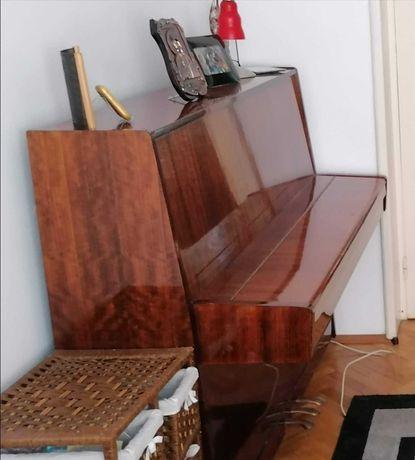 """Pianină """"Belarus"""""""