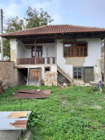 Къща с дворно място в с.Кочово
