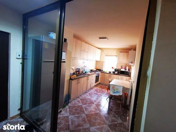 Apartament cu 4 camere de vânzare, in zona Centrala a Manasturului