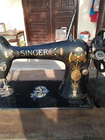 Mașina de cusut Singer