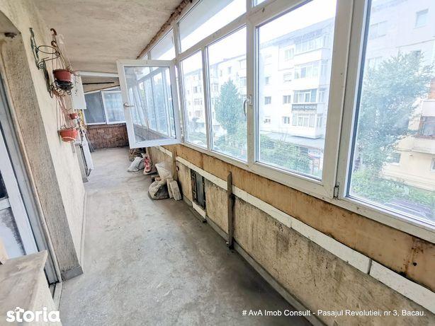 Apartament 3 camere decomandat, et 2, 2 balcoane, 62000 euro