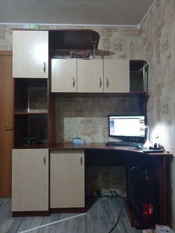 Компьютерный стол шкаф