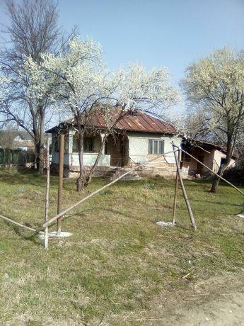 Casa de vanzare cu teren