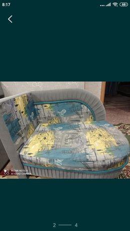 Продам детский диван в отличном