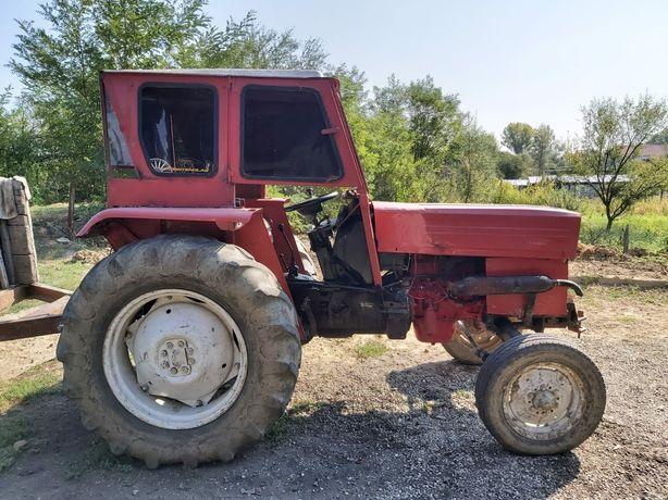 Vand tractor international ,55 cai