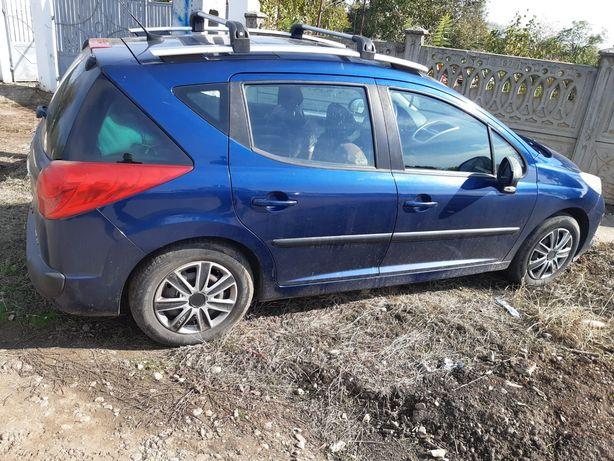 Vând sau schimb Peugeot 207 sw