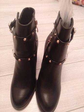 Женская обувь.  Жаңа киілмеген