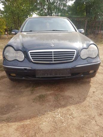 Dezmembrez Mercedes C-class C220CDI W203 An.2003