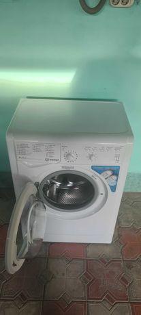 Продам стиральную машину Индезит