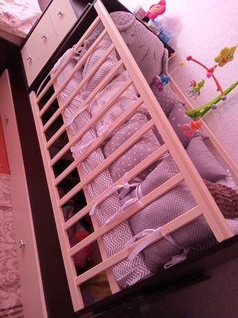 Продам кроватку в отличном состоянии б/у 4месяца