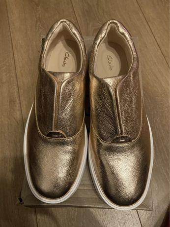 Pantofi clarks 38
