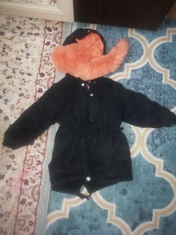 Зимний куртка для детей 3-4 лет. В очень хорошем состояние.