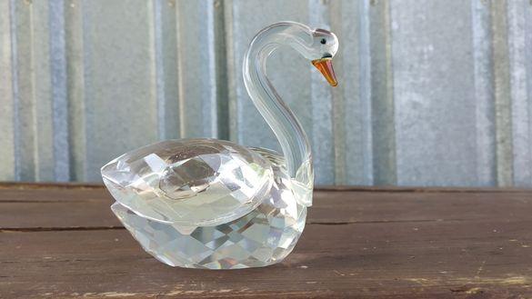 Красив кристален Лебед статуетка
