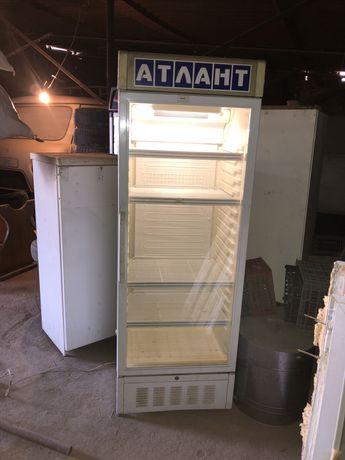 2 витринных холодильника 80000 тнг
