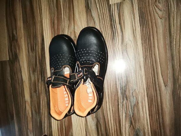 Vând sandale munca cu bot metic