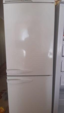 Срочно продам холодильник. В отличном состояние. Морозит хорошо.