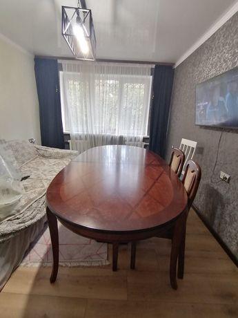 Большой гостевой стол