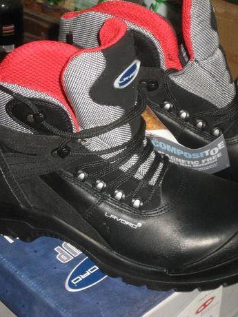 Обувки 43
