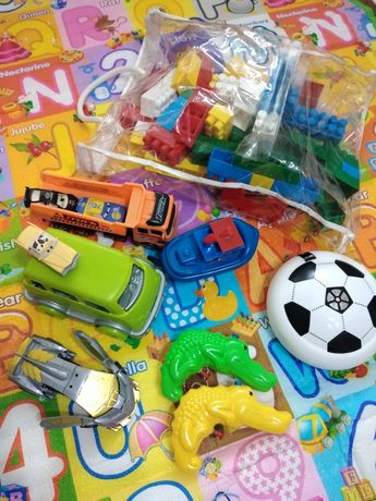 Термо килим, строител и много играчки