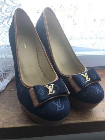 Pantofi Louis Vuitton