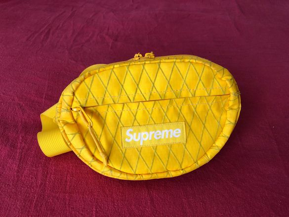 Supreme FW 2018 Yellow Waist Bag + Sticker, чанта + стикер подарък
