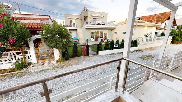 Къща на две нива, тип мезонет в Паралия Офринио, Гърция