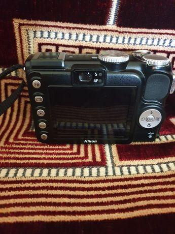 Aparat foto  digital Nikon coolpix P5000