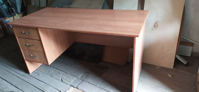 Письменный стол 1200 х 600