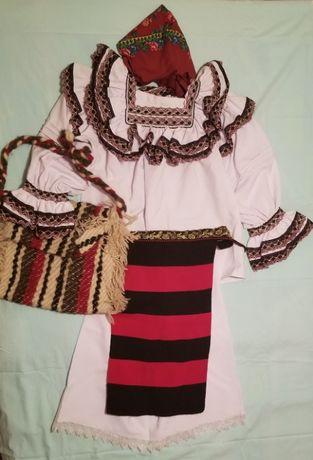 Costum popular complet din Maramures
