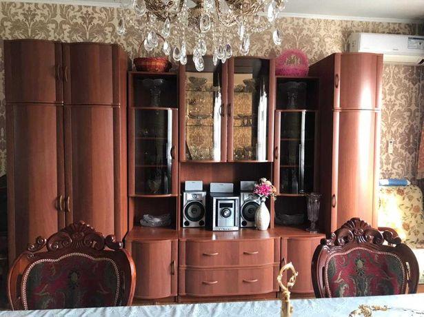 Мебель, гостинная гарнитура, столы стулья, диван с креслой