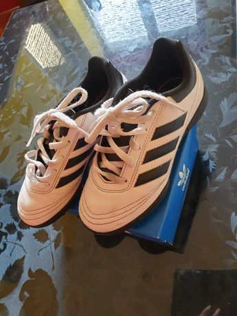 Adidas футболни обувки