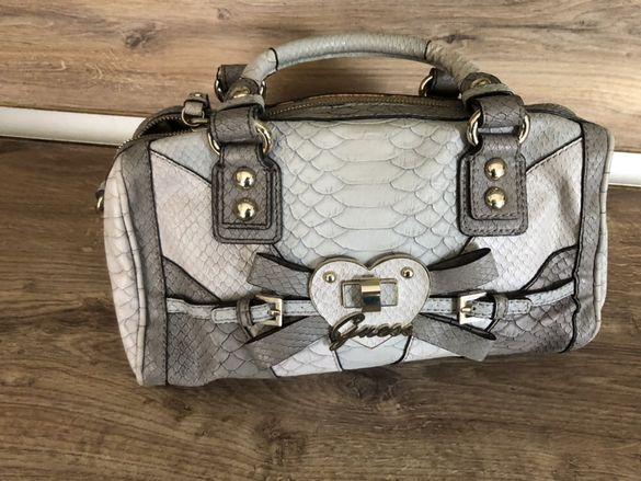 Оригинална чанта Guess