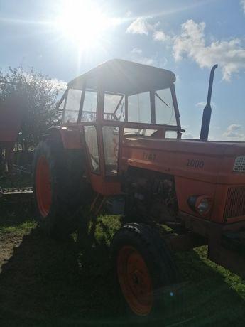 Vând sau schimb tractor 100 cp