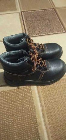 продам ботинки демисезонка 38 рр