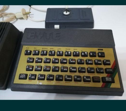 Calculator vechi de colectie Byte, Rusesc, clona Spectrum