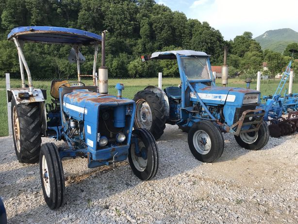 Tractor Ford 3000 50 cp 2 manete
