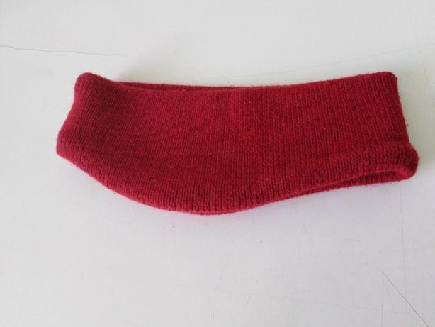 Bentita roșie de iarna H&M