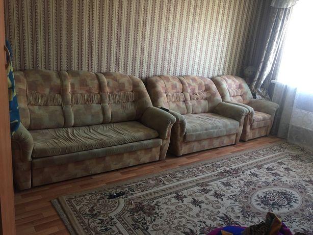продается диван для дома