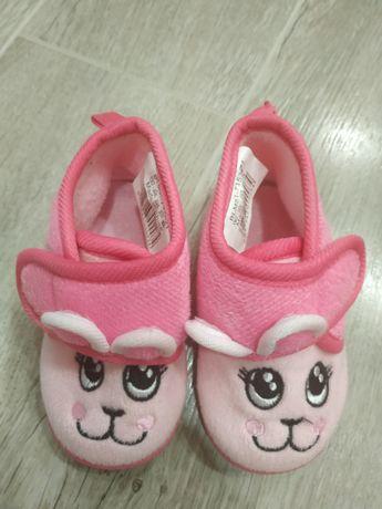 Лот- детски пантофи и чехли