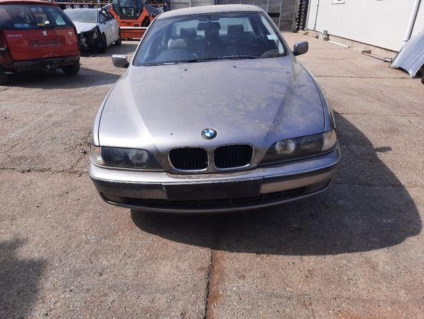 Dezmembram BMW E39 523i 2.5 benzina 125 KW An 2000