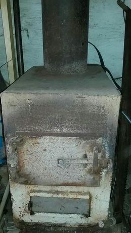 Печь, котел с дымоходной трубой для дачи, мастерской и пр.