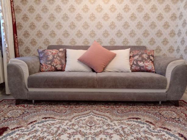 Продается диван в хорошем качестве и состояние отличное