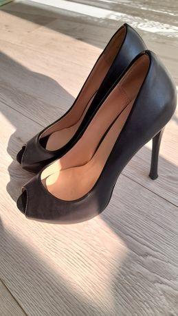 Туфли красивые на каблуках