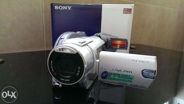 Camera video sony dcr-dvd404e noua in cutie