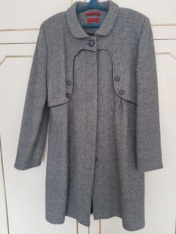 Вълнено палто на марката Тани фешън