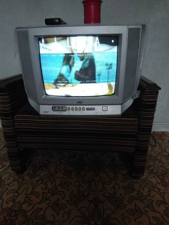 Телевизор JVC.                          .
