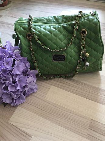 Страхотна чанта