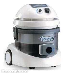 aspirator profesional cu filtrare prin apa