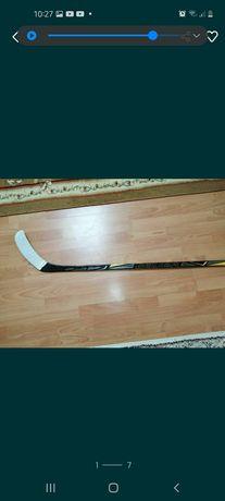 Срочно продам хоккейную клюшку